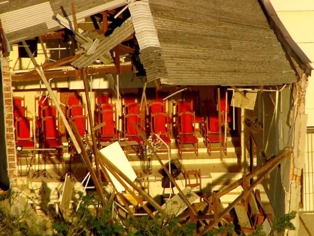 Desabamento de igreja em Diadema (SP) deixa três pessoas soterradas