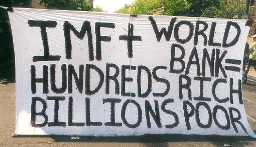 FMI + Banco Mundial = Centenas ricos, bilhões pobres (Reprodução/New Zimbabwe)