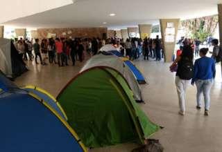 Escola Estadual Milton Campos ocupada desde de 6 de outubro por estudantes contra a PEC 241 (Reprodução/Facebook)