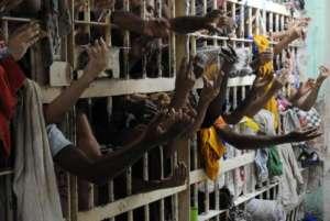 Prisões superlotadas (Reprodução: bhaz.com.br)