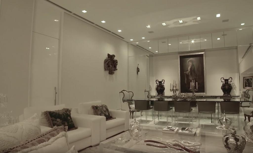 Triplex no Belvedere avaliado em R$ 17 milhões