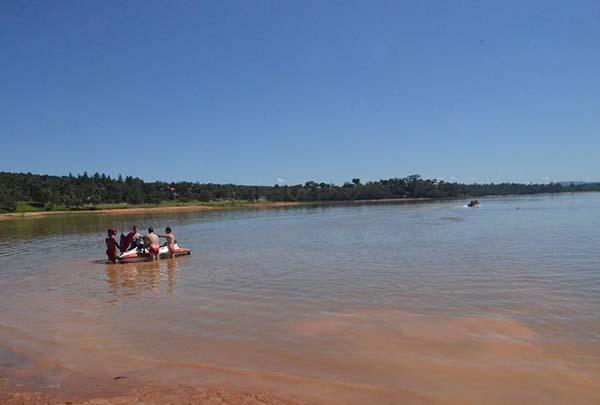 praia lago das roseiras