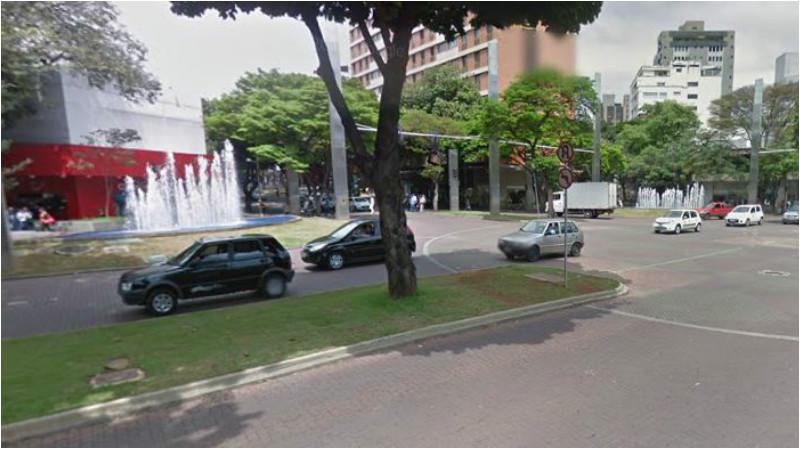 interditar o trânsito na Praça da Savassi