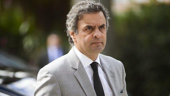 Ministro do STF determina retorno de Aécio Neves ao Senado