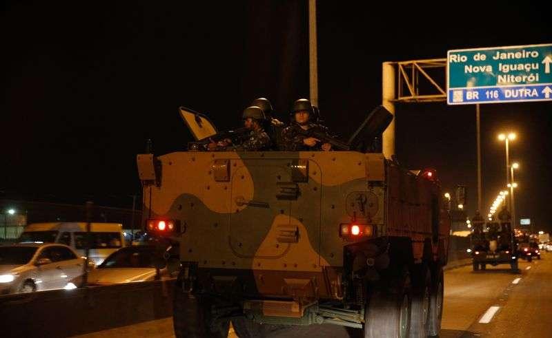 Temer autoriza uso das Forças Armadas no RJ