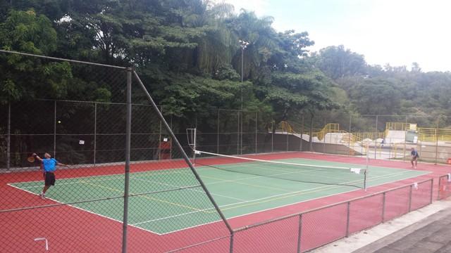 a342cbd1358 Quer aprender a jogar tênis  Pratique DE GRAÇA em parques da capital