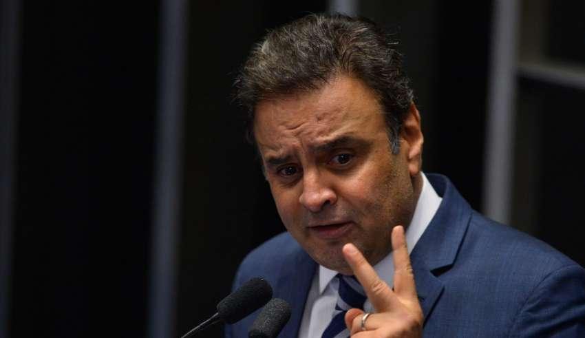 Defesa de Aécio pede Gilmar Mendes como relator de inquérito