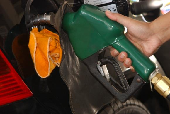 Suspensão de alta nos combustíveis causa prejuízo milionário — Governo