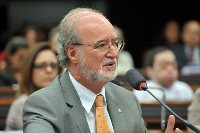 Tribunal de Justiça julga recurso do ex-governador de Minas Eduardo Azeredo