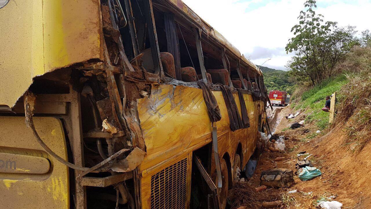 Ônibus do acidente na BR-381 que matou sete pessoas era clandestino