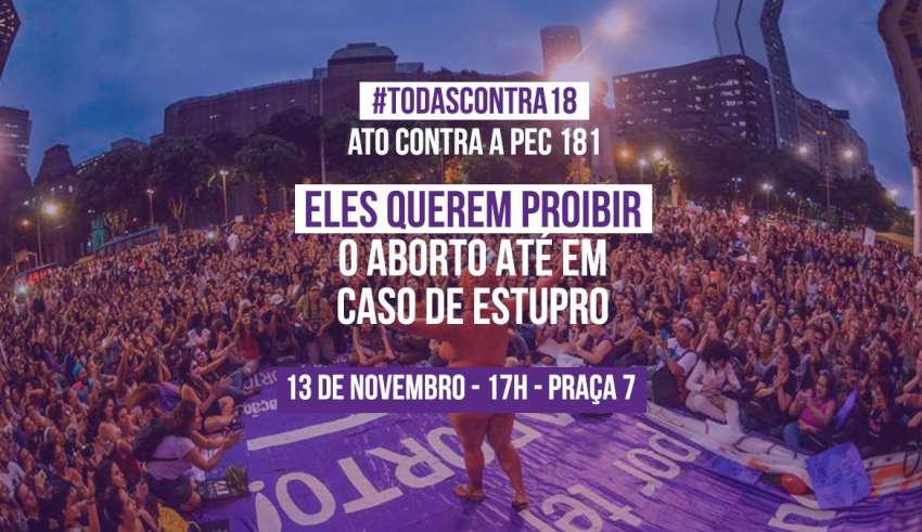 Mulheres protestam contra PEC que criminaliza aborto em caso de estupro