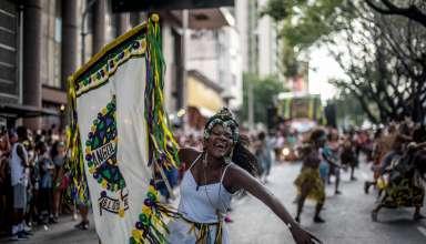 Angola Janga desfila neste domingo