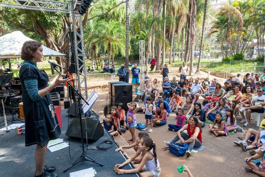 Brincando com a Música foi a atividade comandada por Sílvia Negrão no Parque Municipal em 2014 (Andre Castro/PBH/Divulgação)