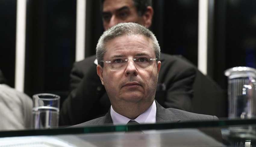 Anastasia sai do PSDB e vai para PSD, partido de Kalil