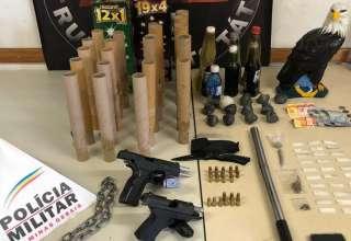 policia apreende arma e droga torcida mafia azul