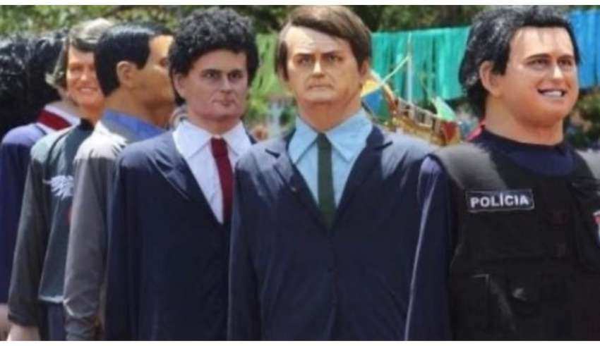 Bolsonaro e Mora representados nos bonecos de Olinda