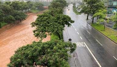 ruas vazias por causa das chuvas em BH