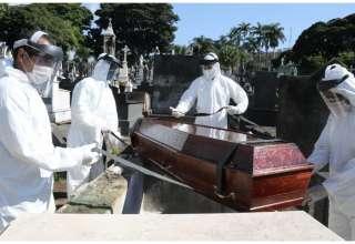 Caixão de vítima por Covid-19 deve permanecer lacrado