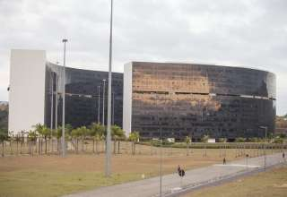 governo minas parcelar salarios impeachment
