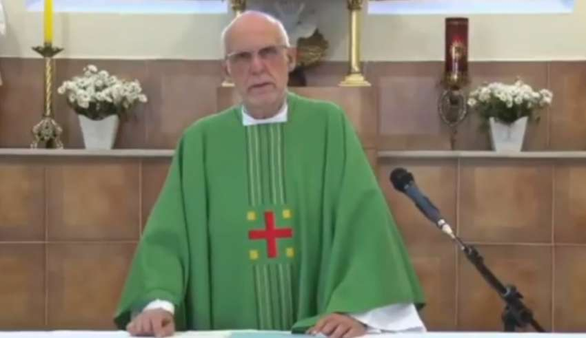 Padre Júlio Lancellotti pede perdão