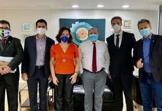 pazuello e defensores do uso do ozônio como forma de tratamento para o coronavírus.
