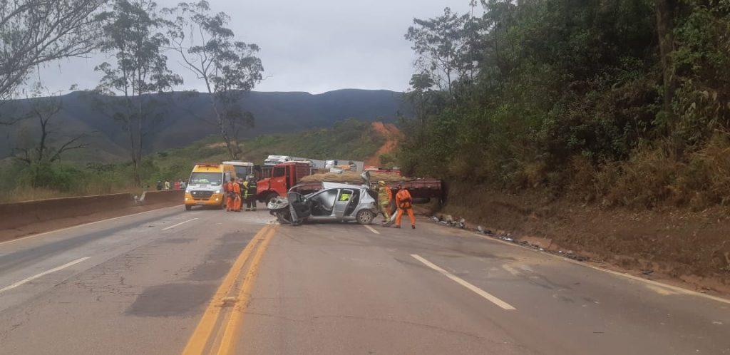 acidente mulher morre itabirito br-040