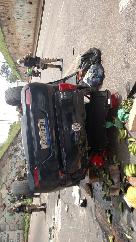 carro caído