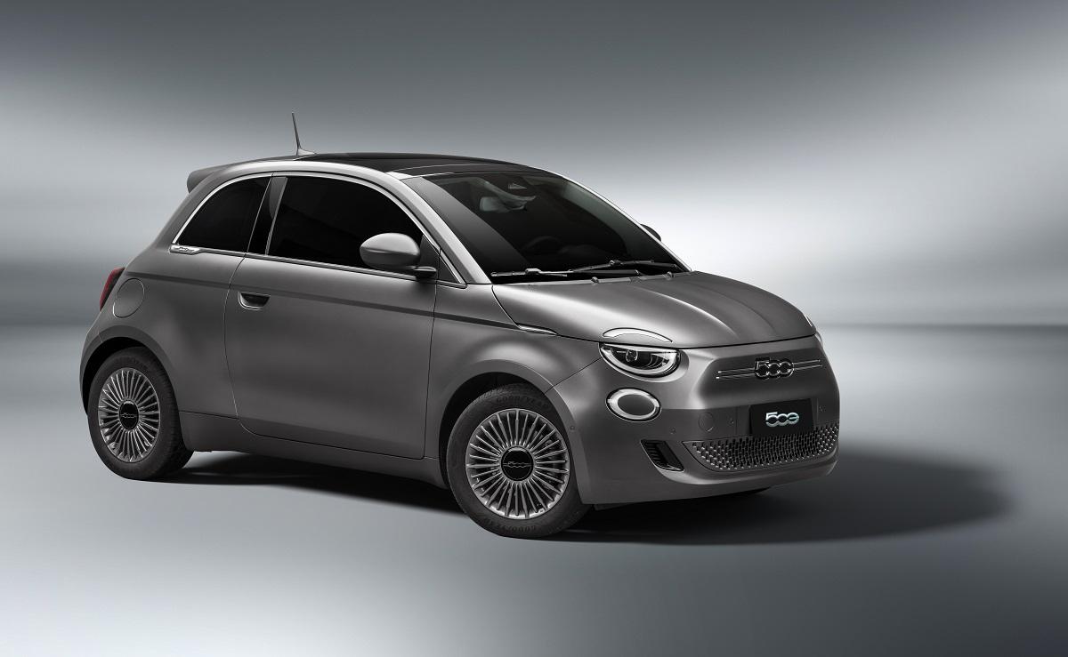 Sull'onda delle auto elettriche, Fiat importa una piccola 500e dall'Italia
