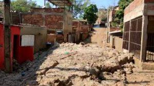Rua após enchente